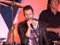 Maroon5带领全场唱Maps(VMA现场版)