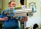 强悍!外国牛人自制空气炮