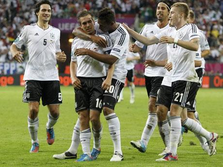 德国大胜希腊杀入四强