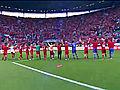 捷克队员向球迷致谢