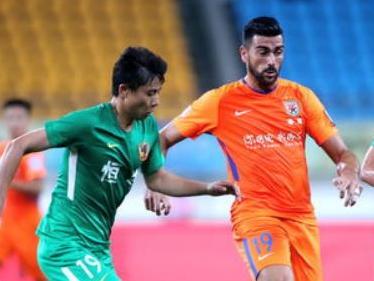 足协杯贵州0-0鲁能 王大雷扑单刀斯蒂夫屡失良机