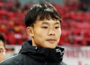 """亚足联专访刘若钒 巴顿的""""小宝贝""""最爱罗伊斯"""