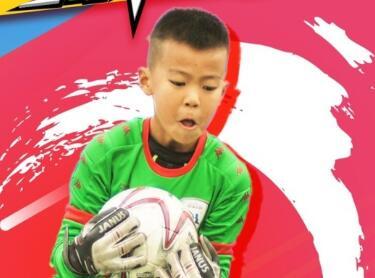 中国足球小将横空出世!这样的偶像团体才应该是孩子们的榜样!