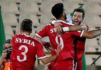 神锋补时救主 叙利亚2:2伊朗杀进附加赛