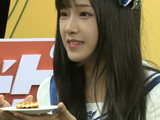 BEJ48现场挑战芥末饼干