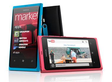旗下首款WP7手机 诺基亚Lumia 800发布